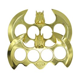 Wholesale 2016 New arrival Classic Batman Knuckle Duster Belt Buckle New design high quality best gift for friend Fast shipping