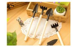 Wholesale 3pcs set Mini Garden Hand Tool Kit Plant Gardening Shovel Spade Rake Trowel Wood Handle Metal Head Gardener WA0877