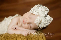Descuento bandas para la cabeza de encaje blanco para bebés Europa Infantil Baby Lace Big Bowknot Hairband Bandas Niñas Blanco Elástico Headwrap Pelo Bandas Fotografía Props Niños Niños Accesorios de Pelo