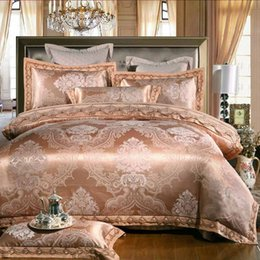 Wholesale White Golden Jacquard Bedding Set Luxury pc Embroidered Lace duvet quilt cover queen king bed linen Satin bedclothes bed set home textile