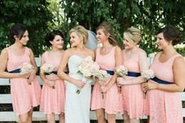 Knee Length Blush Pink Lace Bridesmaid Dresses with Ribbon Beach Country Wedding Bridesmaids Dresses U Neckline Rustic Short Party Gowns