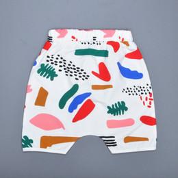 Wholesale 5pcs Girls Boys Colorful Graffiti Harem Shorts Summer Style Children Short Pants Baby Clothes Graffiti Pattern Kids Clothing ropa nino