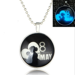 European and American Hot May 8 mother Mother's Day luminous jewel necklace mother birthday gift night light jewelry