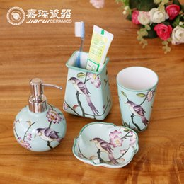 Wholesale 4pcs bathroom set hand painted ceramic bathroom Accessories for home decoration