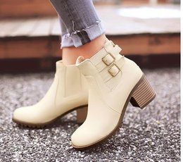 Wholesale The new double leather buckles thick with round head female fashion short boots advanced pu boots with