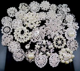 Wholesale Celtic Brooch Bouquet - 30 pcs Mix Style Diamante Wedding Party Brooches Silver Pearl Crystal Rhinestone bridal decor Flower Bouquet Brooch Pins Best Gift #1