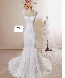 Wholesale Vintage Lace Chapel Simple Wedding Dresses Sleeveless Illusion Backless Wedding Dresses Affordable Online Gorgeous Bridal Gowns China