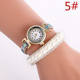 Montres de gros perle en Ligne-Vente en gros des femmes de mode de diamants en cuir bracelet montre perles perles dames occasionnels robe design simple 2016 nouvelles montres à quartz
