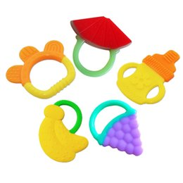 Wholesale Infant Baby Teether Funny Pacifiers Friut Shape Child Kids Safety Silicone Soft Nipple Cute Pacifier Clip Baby Boys Girls for M