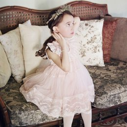Girl Korean flower lace Princess Dress 2 Color new Children princess party tutu sleeveless Dress Flying sleeve skirt Sweetgirl B001