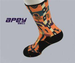 Wholesale APEY color men basketball dress socks elite sports towel bottom mens socks thick stocking towel compression socks for men