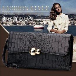 Promotion chain bag women s handbag Sac à main en cuir nouvelles tendances en Europe et en Amérique Chain Clutch dames sac à main dames en cuir en cuir sacs à main de femmes de luxe
