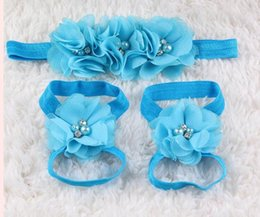 Descuento sandalias de perlas flores 2016 El nuevo bebé de la flor de flores descalzo con los pies de la perla del pelo flores sandalias de los zapatos de bebé punto de apoyo accesorios para el pelo de las vendas de vinchas establecidos