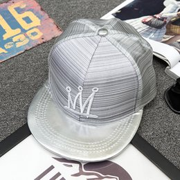 New modern dynamic permeability flat along the hip-hop cap crown embroidered leather cap along the fashionable men and women's outdoor