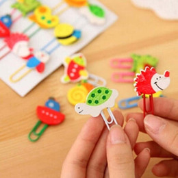 Free Shipping 100pcs lot Wooden Animals Shape Bookmarks Colored Paper Clip Cartoon Book Marks Office School Supplies Papelaria