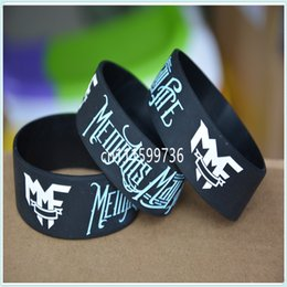 Wholesale 50pcs MEMPHIS MAY FIRE Silicone quot Wide Filled in Colour Black Wristband Bracelet