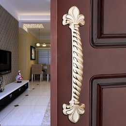 Wholesale Yi Jia European ivory white door handle clothing store door handle high end antique white handle