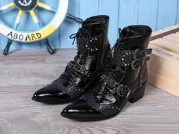 Descuento botas altas de tacón hombres señalaron dedos de los pies Nueva llegada del dedo del pie en punta Zapatos de los hombres de alta top dress hebilla de la manera ata para arriba el tobillo de arranque Tacones altos 6cm El aumento Negro Martin Boot