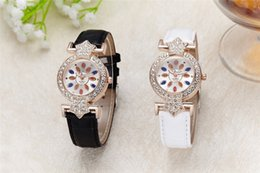 Wholesale Ms amazon hot style newly designed debutantes with diamond watches Candy color leather strap Noble atmosphere