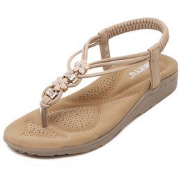 Wholesale New Casual Fashion Women Sandals Metal Rhinestone Ladies Flat Shoes Ladies Big Yards Sandals