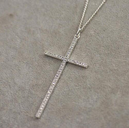 Croix d'argent à vendre-Accessoires de bijoux fantaisie en argent plaqué nouveau cristal en cristal de strass en cristal long croix collier pendentif pour hommes et femmes