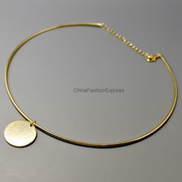Gold Coin Pendant Round Choker Necklace Woman Fashion Simple Concise Style Disc Necklace OEM ODM Wholesale