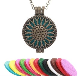 Wholesale 1pc New Fashion Jewelry Findings Sunflower Locket Pierced Filigree Antique Bronze Essential Oil Diffuser Necklace for Women