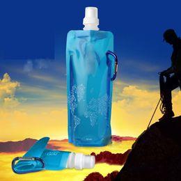 2017 bouteilles d'eau mousqueton bouteille Eco-Friendly Portable pliant Reuseable 480ml d'eau avec mousqueton pour sports de plein air tasse de Voyage sacs de pliage bouteilles d'eau mousqueton promotion