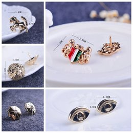 Shields tricolor collar brooch angle jewelry umbrella Korean collar pin pin buckle equine lion corsage brooch fashion eye