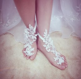 Wholesale Lace Barefoot Sandals White Ivory Pearls Beaded Rhinestone Decorated Wedding Anklets For Brides Bridesmaids Beach Party Accessories