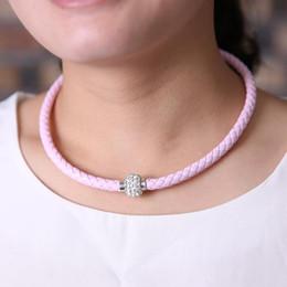 Compra Online Broches para los encantos-Gargantillas al por mayor de cuero de la nueva muchacha del encanto Collares de cristal para las mujeres del corchete magnético colgantes joyería el envío libre