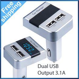 Wholesale Pengiriman gratis V A keluaran pintar Dual USB Charger dengan tegangan dan arus tampilan mobil cepat pengisian Port untuk Andriod