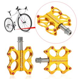 Wholesale High Quality Bicycle Pedals Bike Pedals Sealed Bearings CNC Steel Axle Platform Pedals for BMX MTB Bicycle Colors Y0739