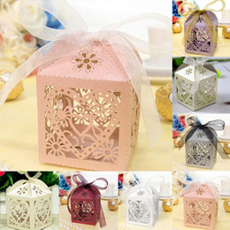Wholesale Love Heart Party Wedding Hollow Carriage Baby Shower Favors Gifts Candy Boxes Wedding Candy boxes B024