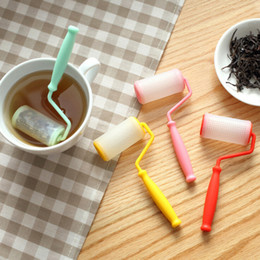 Wholesale 2016 new hot sell Perfect Cute Paint Brush Paint Roller Shape Silicone Tea Infuser Coffee Strainers Filter Infusers Tea bag Party free ship