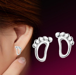 HYWo Korea style Cute Stud Earrings 925 Silver pierced earrings footprints female models fashion cute vintage wholesale jewelry