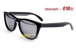 Le commerce de la peau en Ligne-nouvelles lunettes de soleil de marque de la peau de grenouille non-standard exportation du commerce vendant des modèles de lunettes de soleil en Europe et en Amérique dans