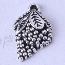 DIY Retro Silver bronze Fruit Grapes Pendant Fit Bracelets or Necklace Charms alloy Jewelry 400pcs lot 3344