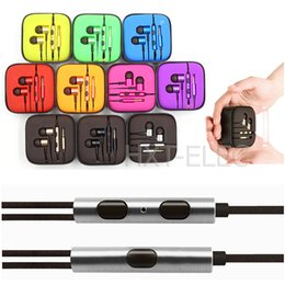 Wholesale mi universal mobile phone earphones metallic and super bass in high quality and multi colors with acrylic case