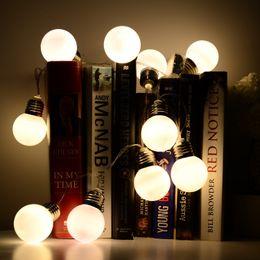 2017 luces de hadas blancas con pilas Blanco caliente de la batería potencia llevó la bola del bulbo Hada de Navidad luz de la secuencia jardín Decoración del hogar luces de hadas blancas con pilas en venta