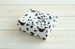 [Simple Seven] Lovely Spotty Ring Box Black and White Earring Carrying Case  Fashion Pendant Display Special Jewelry Box with Ribbon(middle)