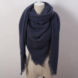Размеры одеяло Онлайн-Za Мода Зима Твердый квадратный шарф для женщин Негабаритные одеяла Мягкий платок Кашемир бренд Накидка Размер 140cmx140cm Горячее надувательство