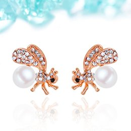 Wholesale 2016 Korea fashion jewelry for women Europe and America real gold plated crystal pearl bee earrings brincos grandes perlas mulheres