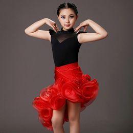 Под юбкой танцоров онлайн фото 177-304