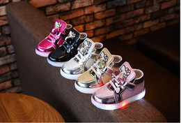 Children Shoes New Spring Hello Rhinestone Led Shoes Girls Princess Cute Shoes European shoe size: 21-30