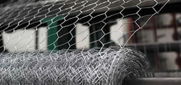 Wholesale Standard Low Carbon Iron Wire Coated Mesh Fencing High Quality Rabbit Wire Netting Rabbit Wire Fence Application for Gabions and