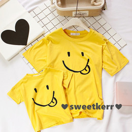 Wholesale Mother and daughter clothes aby girls cute Smiling face printed T shirt mothers short sleeve Tees family tops kids cotton clothing A0677