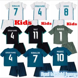 Wholesale - 17 18 kids Real madrid soccer Jerseys 2017 2018 children RONALDO home white JAMES BALE away black youth RAMOS ISCO MODRIC