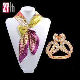 Wholesale- Korea Latest Fashion Joker Écharpes en chaîne à trois anneaux Buckle Ms Square Scarf Clips accessoires à partir de foulards gros anneaux fabricateur