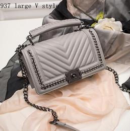 Wholesale brand handbag authentic classic small series of fashion hot mom woven chain bag elegant bulk corrugated woman Leather Shoulder Bag